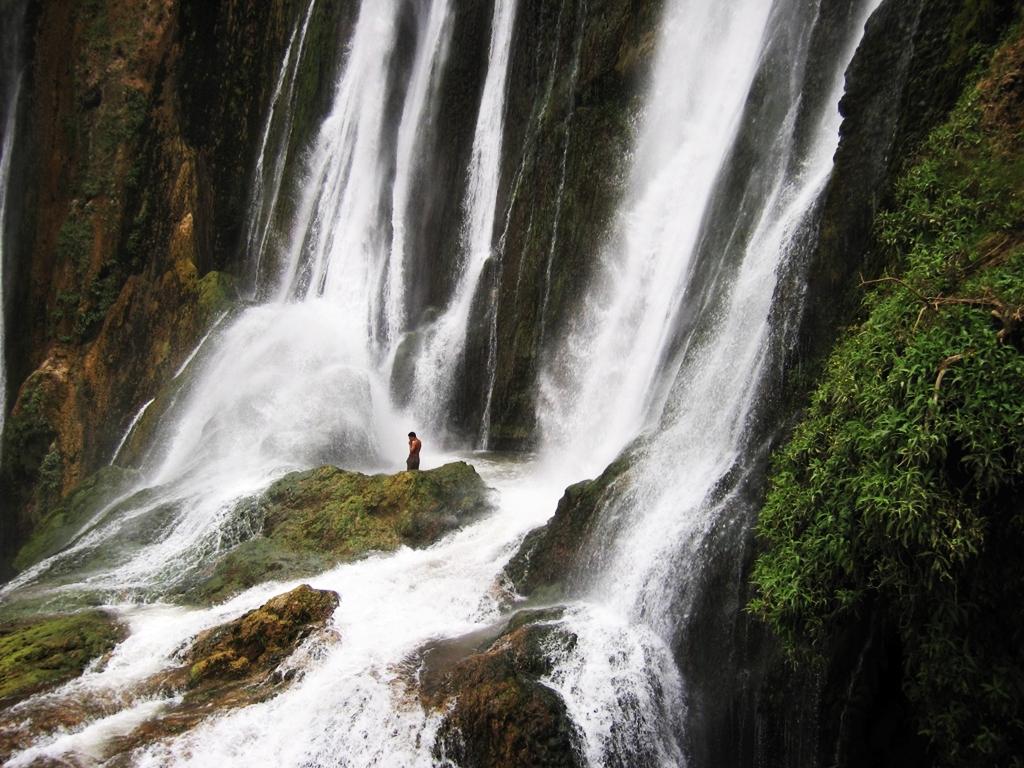 Excursion-Cascades-Ouzoud-Chutes-douzoud